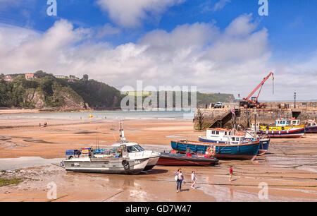 À marée basse, Port de Tenby, Pembrokeshire, Pays de Galles, Royaume-Uni