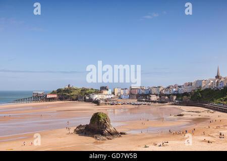 North Beach et le port, à marée basse, Tenby, Pembrokeshire, Pays de Galles, Royaume-Uni
