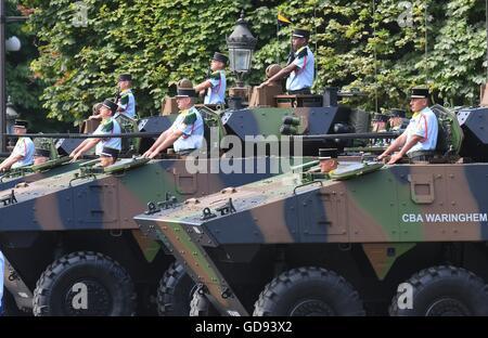Paris, France. 14 juillet, 2016. Les chars français participer à l'assemblée le jour de la Bastille défilé militaire Banque D'Images