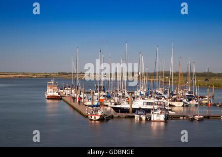 Voiliers dans le port, Greetsiel, Leybucht, Krummhoern, Frise orientale, Basse-Saxe, Allemagne, Europe Banque D'Images