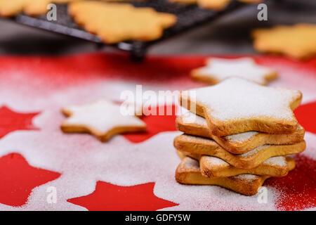 Les cookies et le sucre en poudre Banque D'Images