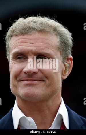 David Coulthard de Channel 4 présente une formule de couverture au cours de Silverstone le Grand Prix de Grande Banque D'Images