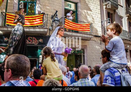 Au cours de la Merce géants Festival. La Plaça del Pi. Barcelone. La Catalogne. Espagne