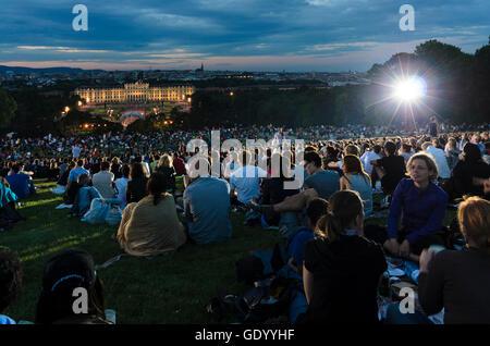 Wien, Vienne: Summer Night Concert de l'Orchestre philharmonique de Vienne dans le parc du Palais Schönbrunn, l'Autriche, Banque D'Images