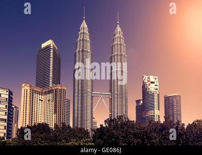 Tons Vintage skyline de Kuala Lumpur, Malaisie. Banque D'Images