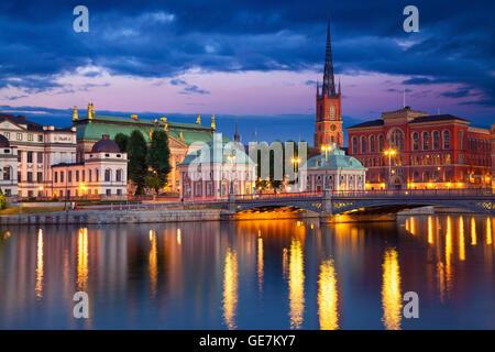 Stockholm. image de Stockholm, Suède pendant le crépuscule heure bleue. Banque D'Images