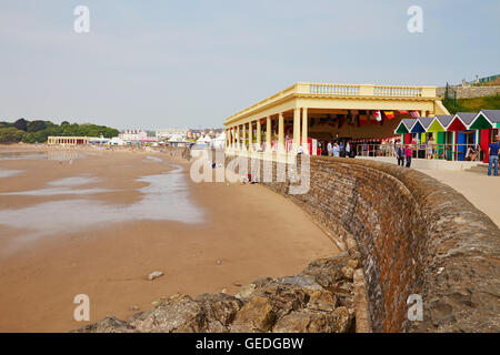 Whitmore Bay, Pavillion et cabines de plage, de Barry Island, South Wales, UK Banque D'Images