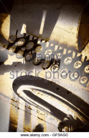 Vintage shop jusqu'à l'image des touches moody strong shadows Banque D'Images