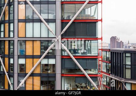 Londres, Angleterre - juin 2016. La vie dans une boîte de verre, un appartement moderne près de la Tate Modern Museum. Banque D'Images