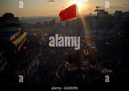 Istanbul, Turquie. 8 juin, 2013. L'image de fichier - vue générale de la Place Taksim lors des protestations pour Banque D'Images