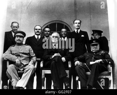 Conférence de Téhéran. À partir de la g. à la r.: Joseph Staline, Franklin D. Roosevelt et Winston Churchill 1943 Banque D'Images