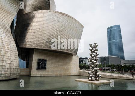 Guggenheim Museum, conçu par Frank Gehry, Bilbao, Pays Basque, Espagne Banque D'Images