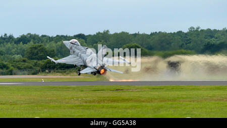 LM F-16C Fighting Falcon Polish Air Force 'Tiger' de l'équipe de démo au Royal International Air Tattoo 2016