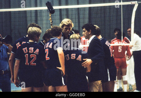 USA men's 1984 L'équipe olympique de volleyball, Long Beach Arena, Long Beach, CA Banque D'Images