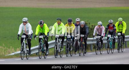 Trosa la Suède, 15 mai 2016. participant à une course de vélo, plus petite (90 km route rurale) à la fois pour les Banque D'Images