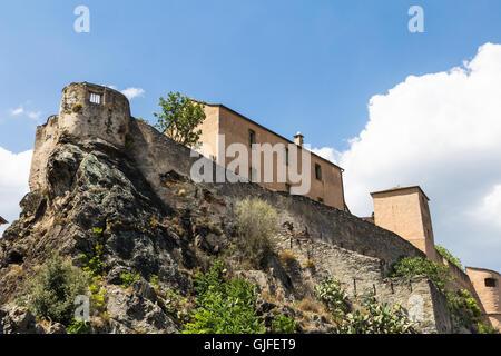 Citadelle de Corte en Corse, une destination touristique populaire en France. Banque D'Images