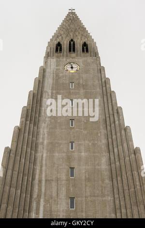 L'Église luthérienne Hallgrímskirkja est une église paroissiale de l'Islande à Reykjavik, et est la plus grande Banque D'Images