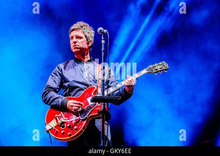 Belfast, Irlande du Nord. 23 AOÛT 2016 - Noel Gallagher's High Flying Birds jouer Belsonic festival musique Crédit: Banque D'Images