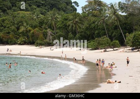 La plage de Manuel Antonio National Park, côte Pacifique, Costa Rica, Amérique Centrale Banque D'Images