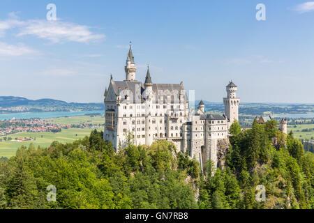 Très belle vue sur le château de Neuschwanstein à Fussen Bavière, Allemagne Banque D'Images