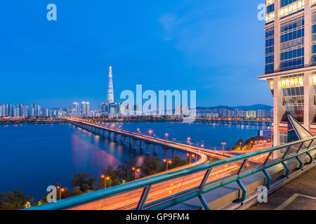 Métro de Séoul Séoul et toits de la ville de la rivière Han à Séoul, Corée du Sud. Banque D'Images