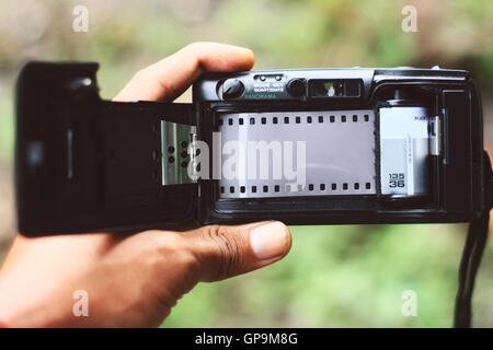 Appareil photo avec film poche analogique Banque D'Images
