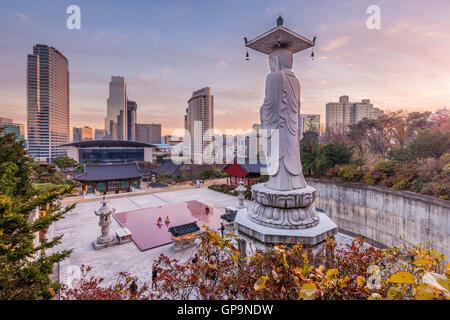 Bongeunsa temple dans la ville de Séoul, Corée du Sud. Banque D'Images
