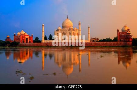 Taj Mahal, Agra, Inde, le coucher du soleil Banque D'Images