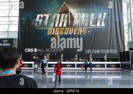 New York, USA. 4e septembre 2016. Bannière pour la nouvelle série Star Trek à venir se bloque derrière le bureau Banque D'Images