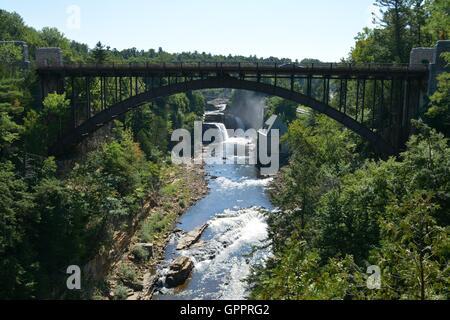 La Ausable chasm le long de la rivière Ausable River dans le nord de New York, le long du lac Champlain. Banque D'Images