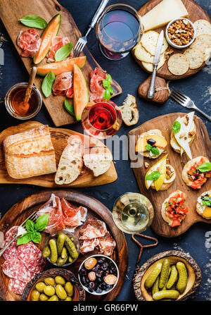 Antipasti italiens collations vin set Banque D'Images