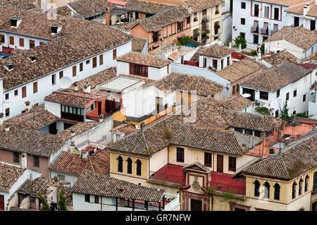 Vue sur les toits de la Vieille Ville, Quartier Albayzín, Grenade, Andalousie, Espagne Banque D'Images