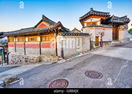 Le vieux village de Bukchon Hanok à Séoul, Corée du Sud. Banque D'Images