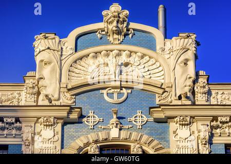 Détail de l'Art Nouveau (Jugendstil) bâtiment de la vieille ville historique de Riga, Lettonie Banque D'Images