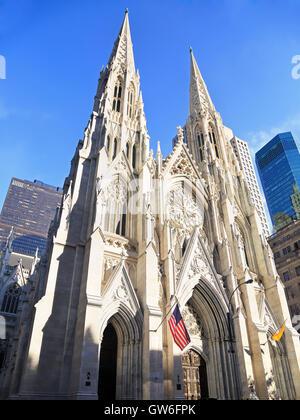 Extérieur de la cathédrale Saint-Patrick de New York, New York