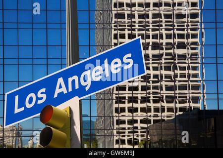 LA Los Angeles downtown wit road mount signe photo Banque D'Images