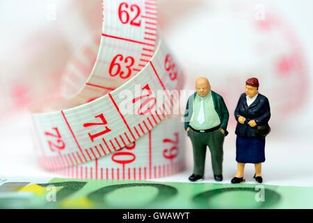 Les personnes âgées et de la dimension symbolique, ruban Flexi photo pension, Massband Symbolfoto und Senioren, Flexi-Rente