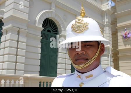 Garde royale Chakri Mahaprasad Hall au Grand Palace, Bangkok, Thaïlande Banque D'Images