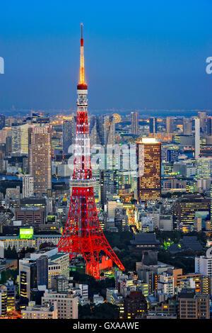 L'île de Honshu, Japon, Tokyo, Kanto, aperçu au crépuscule.