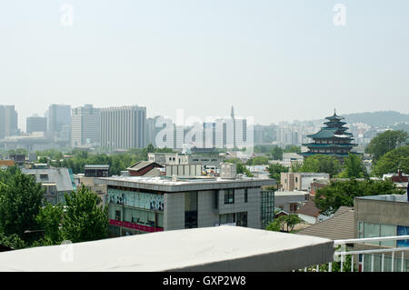 Le village de Bukchon Hanok en été à Séoul, Corée Banque D'Images