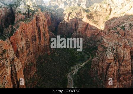 Avis de Angel's Landing, dans l'Utah Zion National Park Banque D'Images