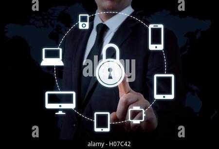 Protéger les données de l'information nuage concept. La sécurité et la sécurité des données en nuage Banque D'Images