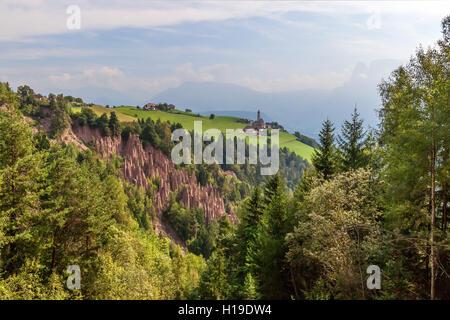 Pyramides de la terre, Renon, Tyrol du Sud, Italie. Banque D'Images