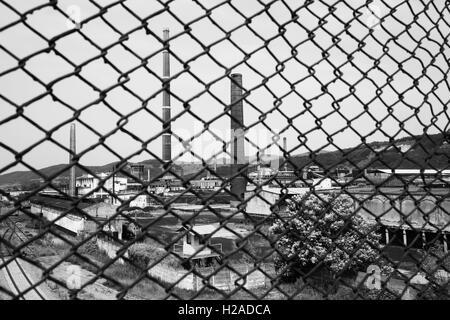 L'usine désaffectée et abandonnée Carbosin de l'ère Ceausescu, à Copsa Mica, Transylvanie, Roumanie, Europe de l'Est Banque D'Images