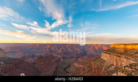 Coucher de soleil sur le Grand Canyon, le Parc National du Grand Canyon, South Rim, Arizona, USA Banque D'Images