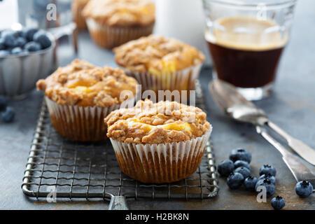 Muffins au fromage à la citrouille avec remplissage Banque D'Images