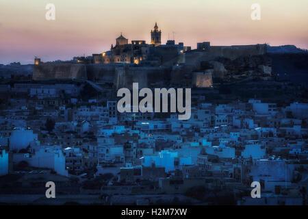 Cittadella la nuit, Victoria, Gozo, Malte Banque D'Images