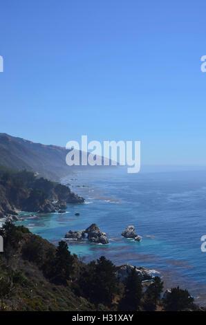 Panorama de la PCH entre Carmel et San Simeon Banque D'Images
