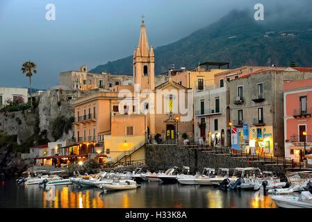 Italie Sicile Iles Eoliennes Lipari Île Île de l'archipel l'église de Saint Joseph ou San Giuseppe à Marina Corta Banque D'Images