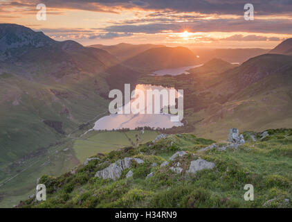 Coucher de soleil sur la lande de Fleetwith Pike, Lake District National Park, Royaume-Uni Banque D'Images